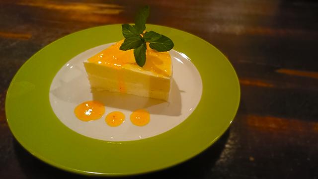 久留米の結婚相談所ラフターマリッジ パイナップルのチーズケーキ