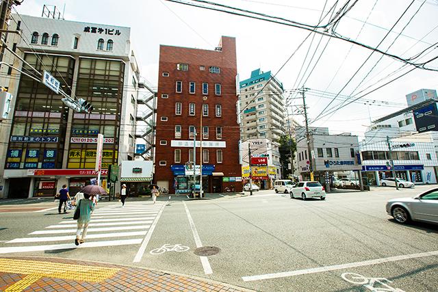 東和町の交差点