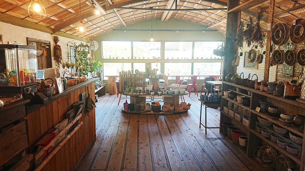 広川町のカフェ「natur」の内観